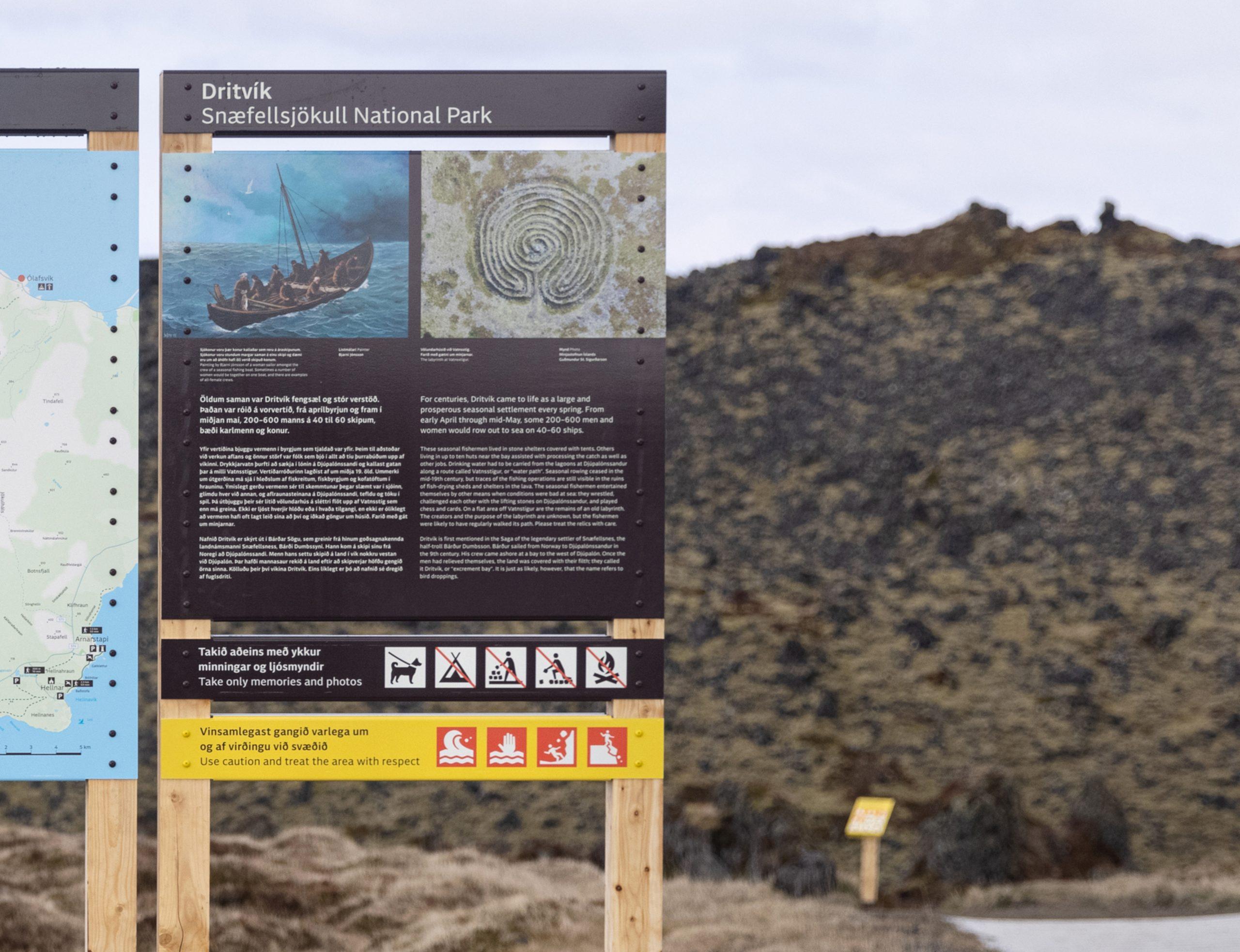 Dæmi um texta fyrir staðarskilti við Dritvík